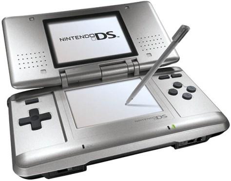 El primer modelo de la Nintendo DS.