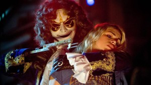 Clockwork Droid and Rose Tyler (Billie Piper) - Doctor Who - The Girl in the Fireplace (c) BBC