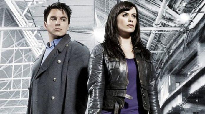 Captain Jack Harkness (John Barrowman) and Gwen Cooper (Eve Myles) - Torchwood - (BBC)
