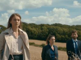 Laura Benson (Kelly Gough), Ellie Miller (Olivia Colman) & Alec Hardy (David Tennant) - Broadchurch S03E05 ©ITV