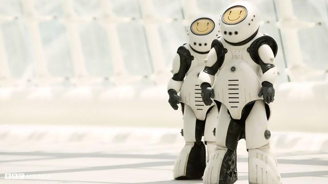 Doctor Who S10 E02 - Smile - Emojibots © BBC