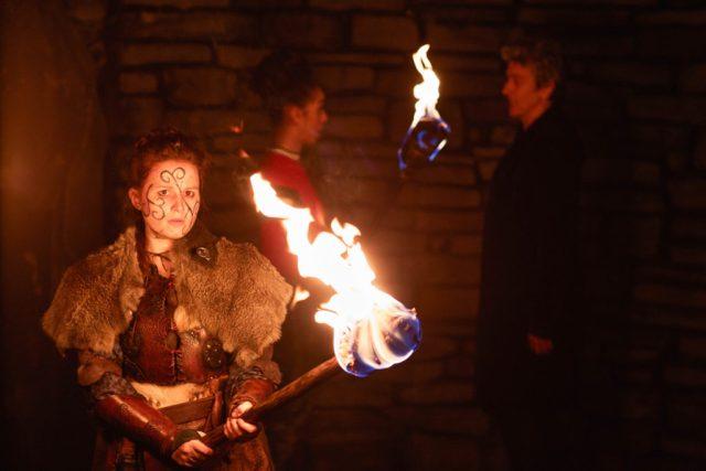 Doctor Who S10 - The Eaters of Light (No. 10) - Kar (REBECCA BENSON), Bill (PEARL MACKIE), The Doctor (PETER CAPALDI) - (C) BBC/BBC Worldwide - Photographer: Simon Ridgway