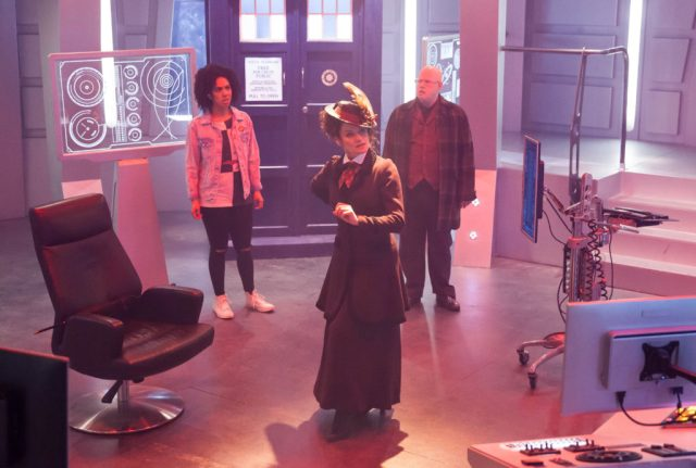 Doctor Who S10 – World Enough and Time – Bill (PEARL MACKIE) Missy (MICHELLE GOMEZ) and Nardole (MATT LUCAS) - (C) BBC/BBC Worldwide - Photographer: Simon Ridgway