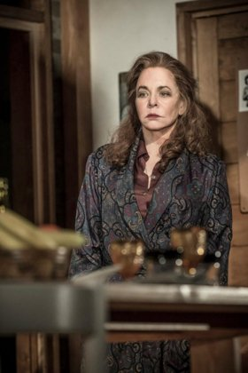 Apologia - Stockard Channing - Photo Credit Marc Brenner