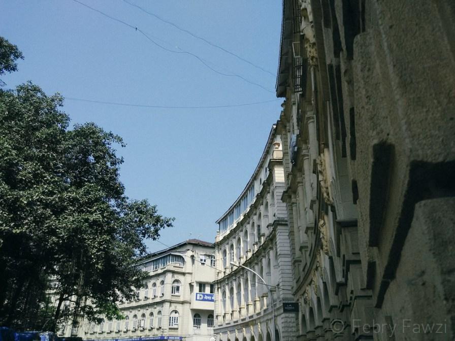 Tipikal bangunan tua di Mumbai