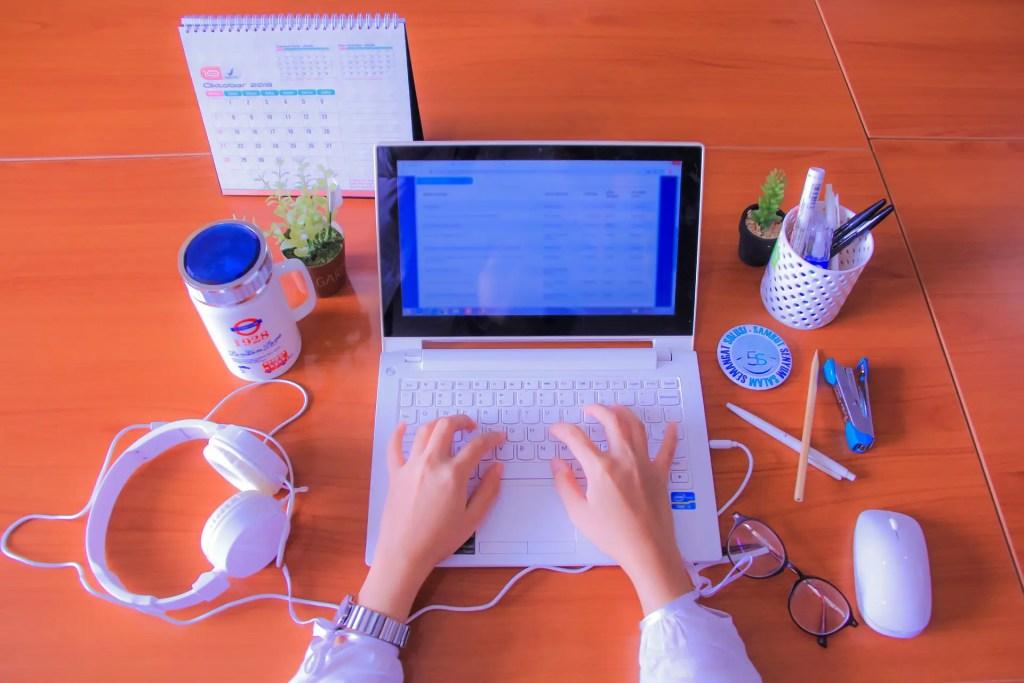 Écrire un CV Performant sur Ordinateur