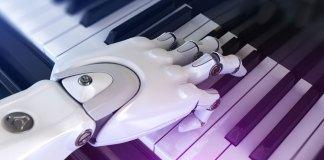 Main de robot sur un pîano