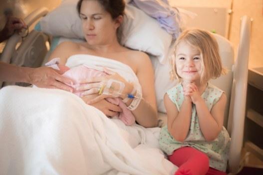bebe-vient-au-monde-liza-hippler