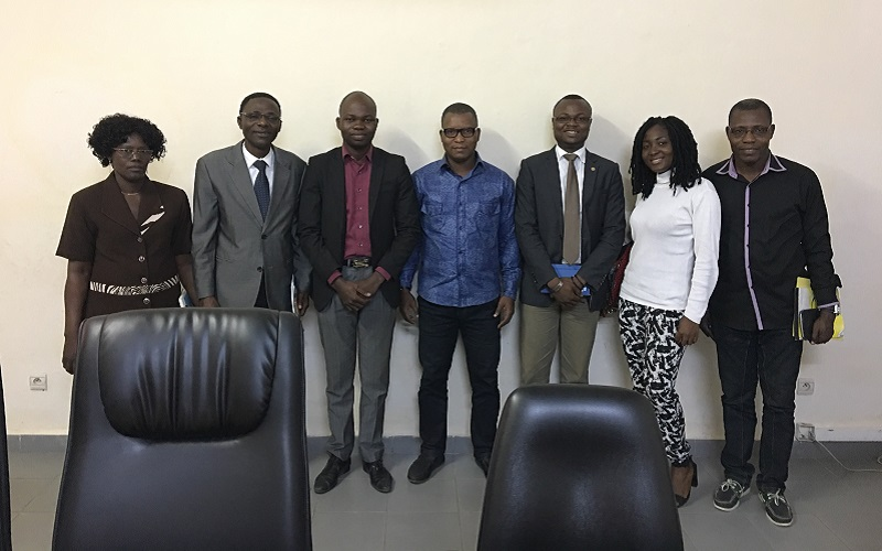 Le directeur général des médias entourés de ses directeurs techniques et la délégation de l'AB Bénin conduite par son président Maurice Thantan