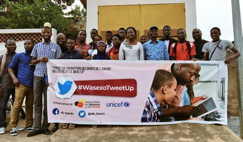 Photo de famille à la fin de notre premier #WasexoTweetUp à #Parakou