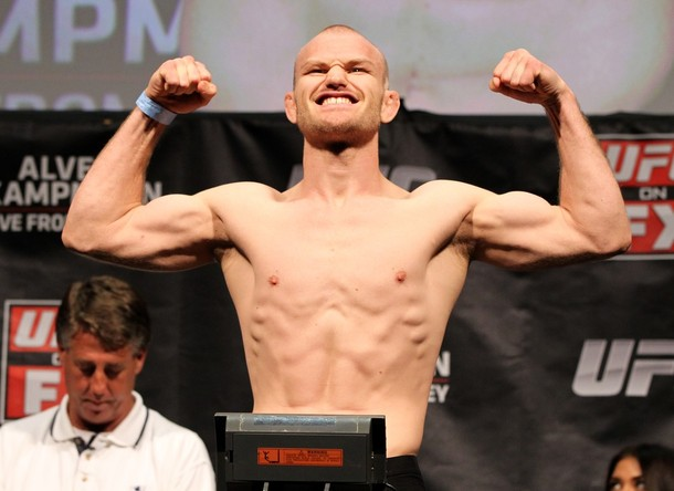 UFC on FX: Alves vs Kampmann Fighter Salaries | The Sports Daily