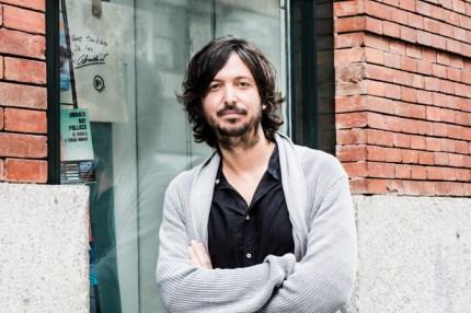 El cineasta Polo Menárguez en la librería Ocho y medio de Madrid. Fotografía de Ana Álvarez Prada