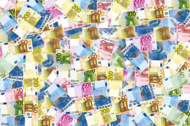 ploua cu bani - foto pixabay