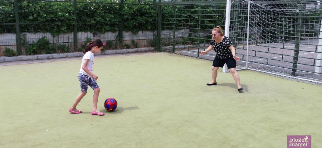 fotbal-feminin.-Juniori-versus-Seniori3