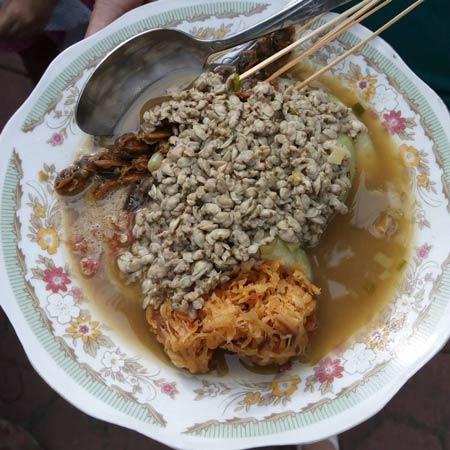Makanan dan Minuman Khas Surabaya - Lontong Kupang