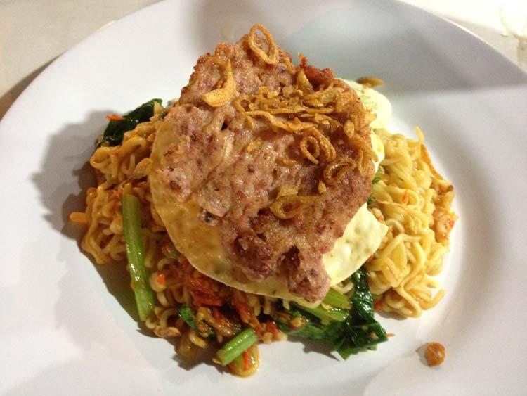 Makanan dan Minuman Khas Surabaya - Mie Pecun