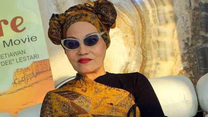 Daftar Artis Indonesia Dan Dunia Yang Meninggal Ditahun 2018 - Titi Qadarsih