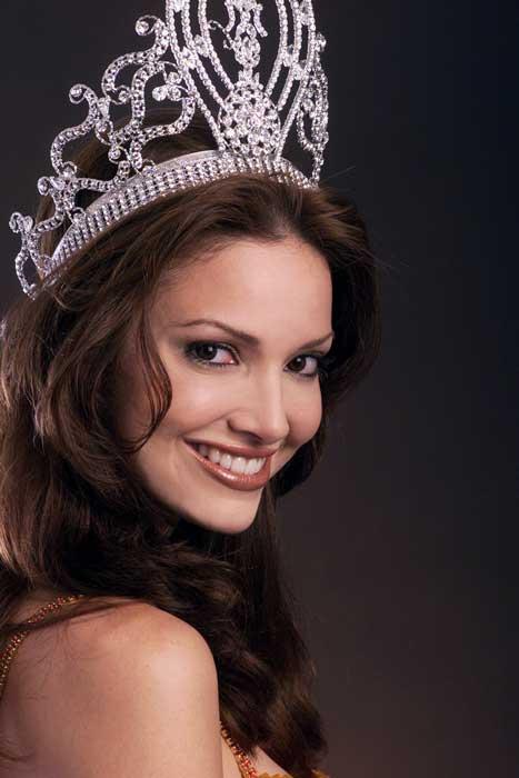 Pemenang Miss Universe Dari Waktu Ke Waktu - Denise Quiñones - 2001