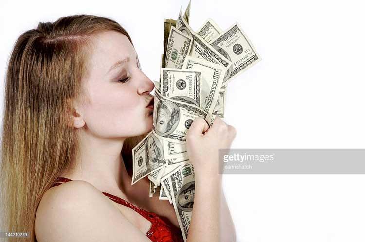 Ciri-Ciri Cewek Matre - Suka cara instan untuk mendapatkan uang