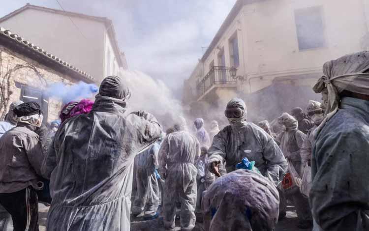 Daftar Festival Perang Paling Unik Dan Seru Di Dunia - Alevromoutzouroma