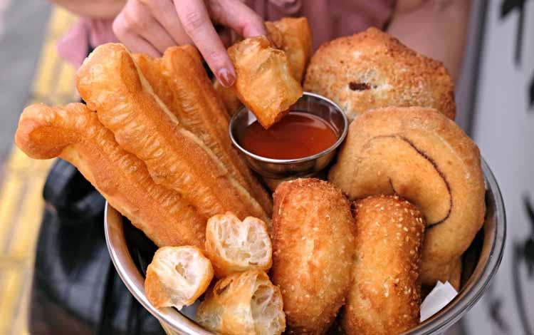 Daftar Makanan Khas China Terlezat - Cakwe