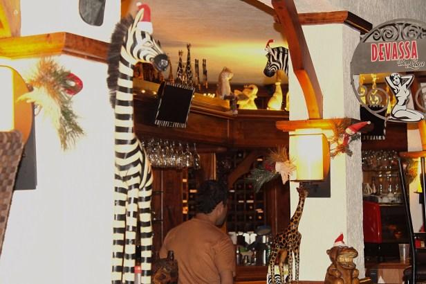 Área interna Safari Bar