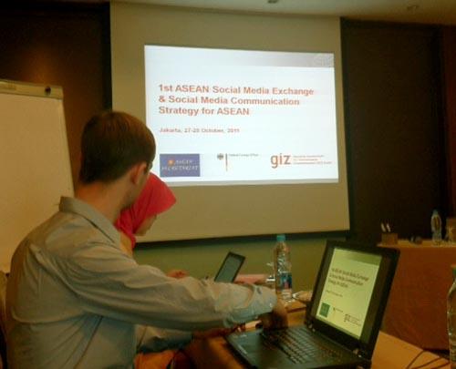 1st-asean-social-media-strategy-meeting-1