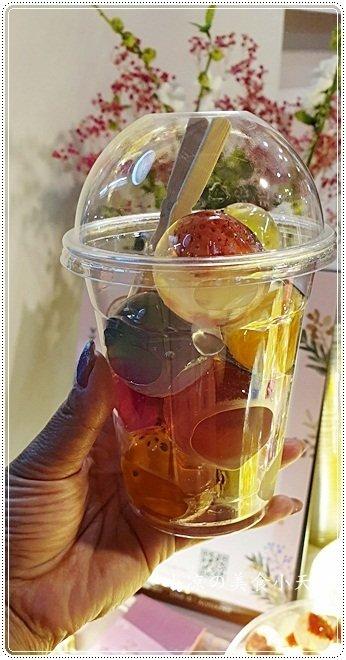 00096526 8148 436f 86ce fd8c42d099af - 台中浮誇系水果繽紛甜點,QQ水晶球少女心併發,咕溜入嘴水果清爽又美味,IG春天色彩就靠它們了!
