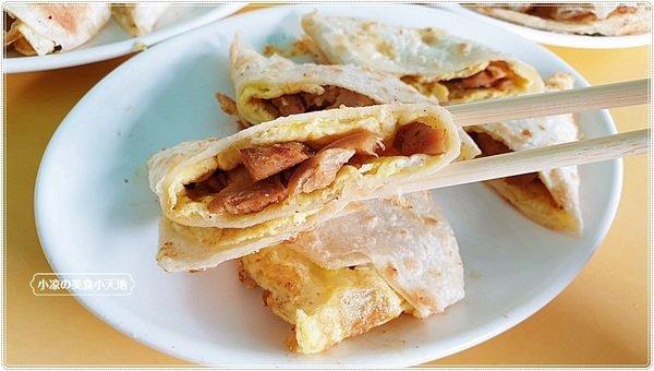 3b29dce8 4052 49eb a3f7 0c30e2a5fd79 - 幾乎看不到招牌的人氣中西式早餐,推薦海南燒雞、薑汁燒肉蛋餅,是酥香的唷