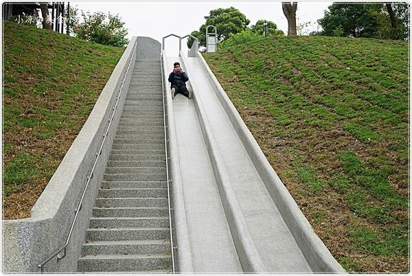 41cab7b4 f073 48c5 b987 6f40ead7d148 - 全台中最長的溜滑梯,正式引爆,沙坑、草地、兒童遊戲區、小孩玩翻天