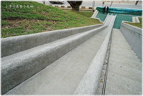b194f95d b124 4f0d 99e6 4de69ccd3a00 - 全台中最長的溜滑梯,正式引爆,沙坑、草地、兒童遊戲區、小孩玩翻天