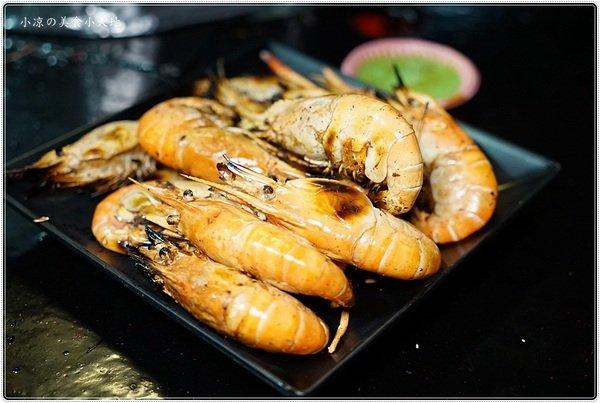 b485cd95 e06b 4973 82ef 57b63432af78 - 熱血採訪│全台唯一百萬夜景的泰國流水蝦、東石鮮蚵燒烤吃到飽在台中,無敵夜景盡收眼底