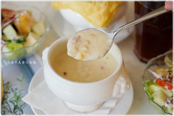 c95c3f72 5574 4b10 b9ea 05747bb953ae - 熱血採訪║Milano米蘭街義式小館,整隻鮮魷霸氣上桌,獨家七款麵條任你選、視覺味覺好滿足!!