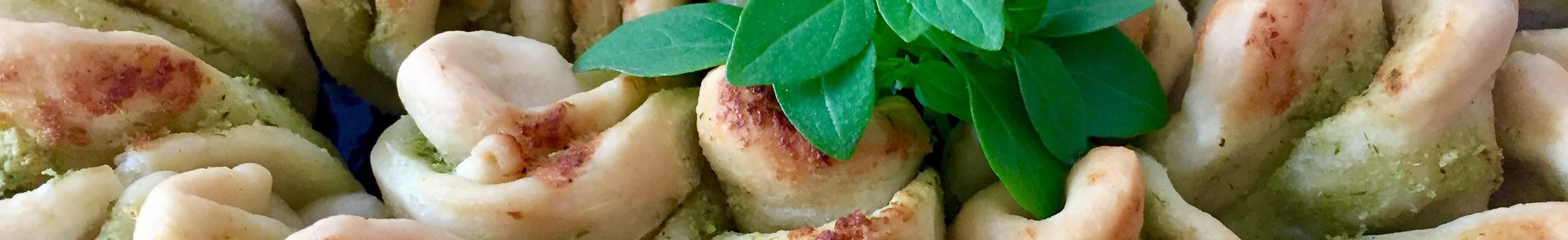Chlebek do odrywania z masłem ziołowym