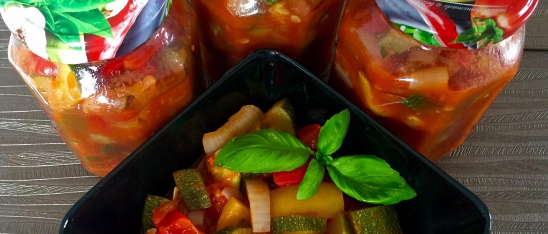 Leczo cukinia, pomidory, papryka