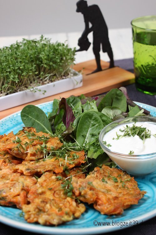 Kresse-Möhren-Puffer mit Knoblauchjoghurt Rezept mit Spursinn24