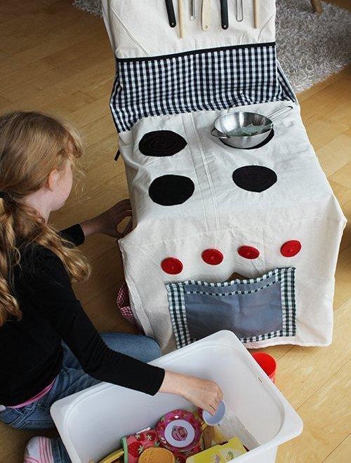 Unterwegs mit der Kinderküche-Stuhlküche