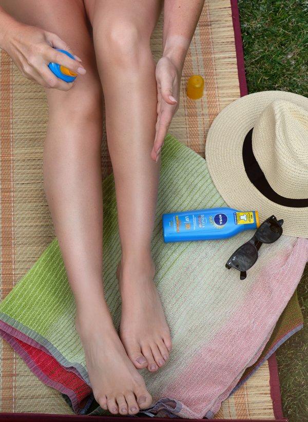 NIVEA SUN Schutz & Bräune mit Anti-Flecken