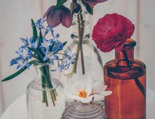 trädgårdsbukett små vaser