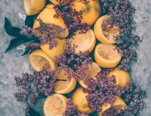 saft rosa fläder citroner