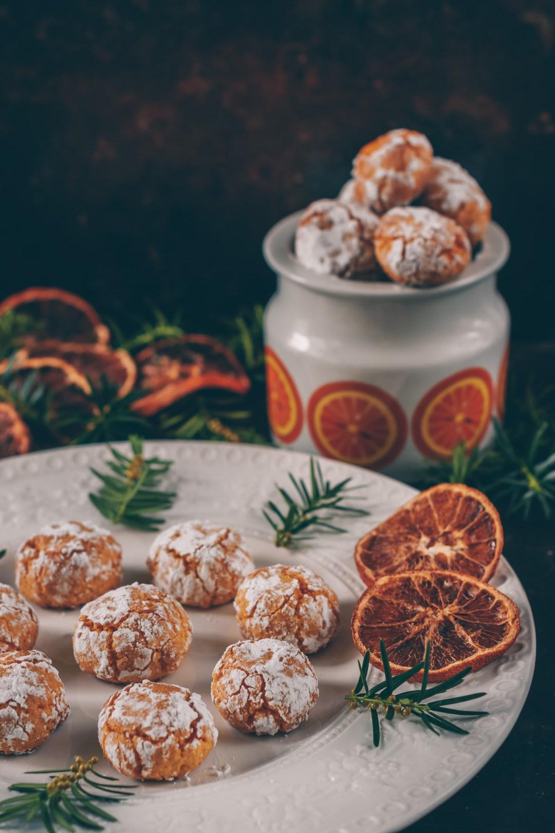 mandelkakor med saffran och apelsin