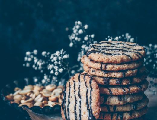 jordnötskakor med salt choklad