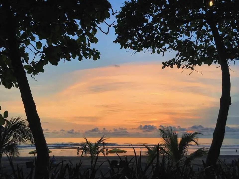 costa rica - an easy guide to playa herradura
