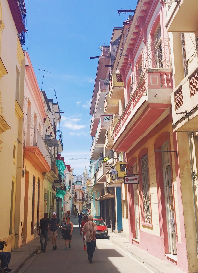 THE ULTIMATE CUBA TRAVEL GUIDE