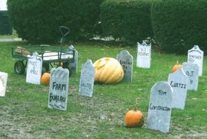 Pumpkin_graveyard_1