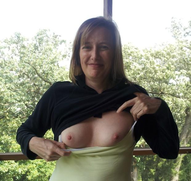 Mature Flash Tits