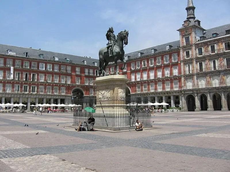 800px-Plaza_mayor3