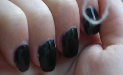 vernis Vert-Noir yves rocher