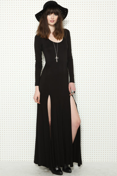 UO-dress_Black_l1