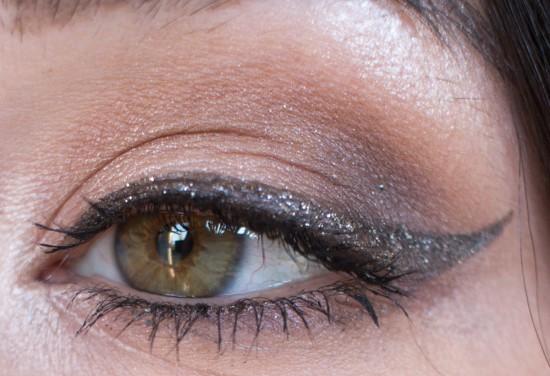 eyeliner-noir-paillete-nocibe-1
